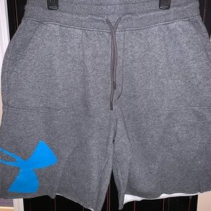 Under Armour Sweatpant material Shorts XL